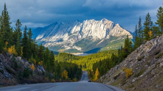 Icefield Parkway in Jasper National Park