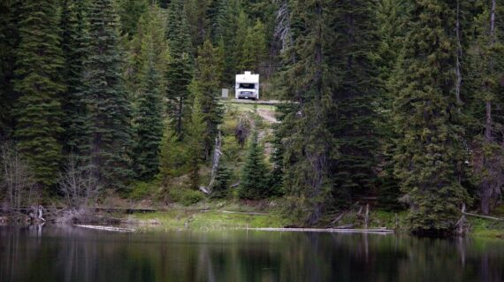 Motorhome parked in Manning Provincial Park
